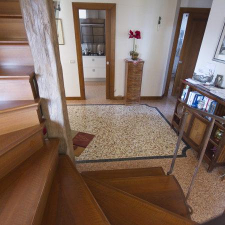 Pavimenti alla Veneziana: terrazzo e pavimento veneziano fatto a mano.